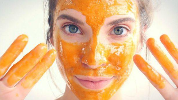 Obličejová maska s mrkví
